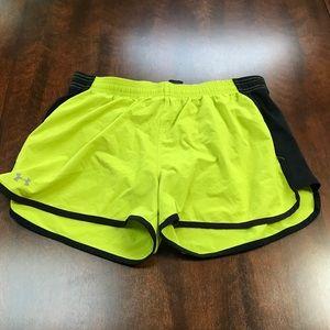 🐠 Under Armour green running shorts